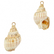 Shell beads Shell beads specials/ pendants