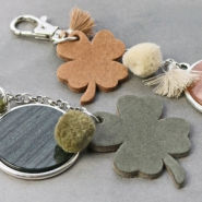 NEW New! DQ leather pendants in clover shape and trendy colours.