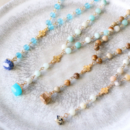 Inspirational Sets Create stylish necklaces with natural stone charms