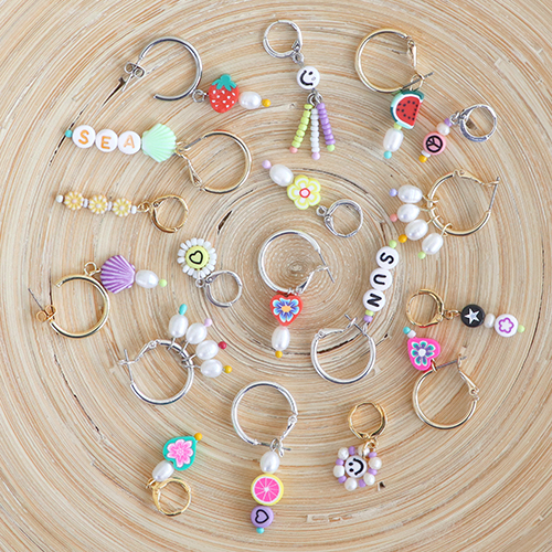 Creating fashionable charms with various acrylic beads and DQ European metal rainbow headpins