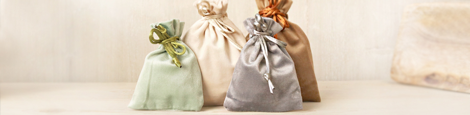 Jewellery bags and boxes